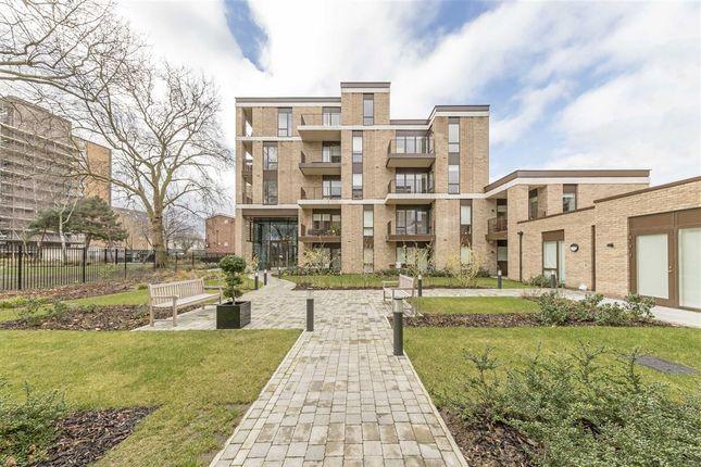 Thumbnail Flat for sale in Lansdowne Drive, London