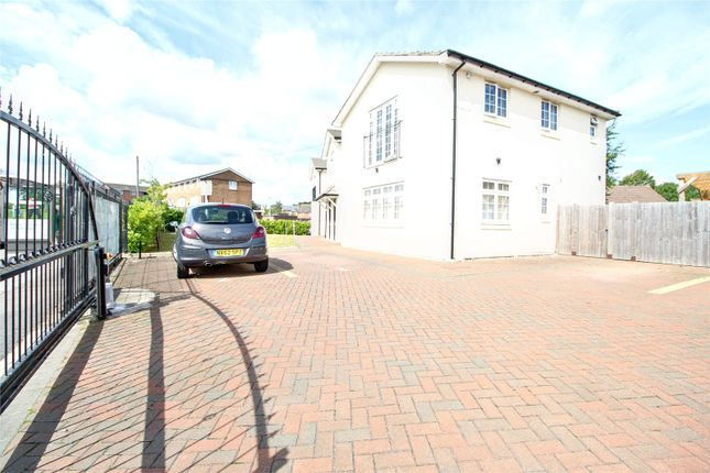 Picture No. 30 of Wensley Road, Reading, Berkshire RG1