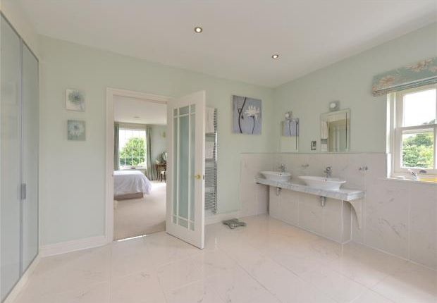 Master En-Suite of Callow End, Worcester, Worcestershire WR2