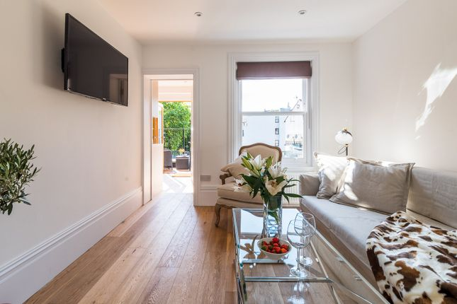 Thumbnail Flat to rent in Harwood Road, London