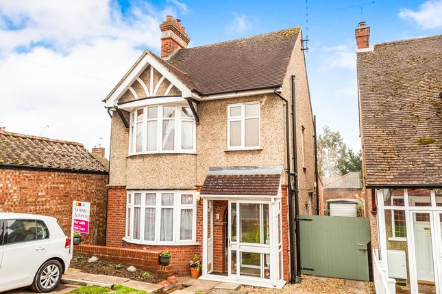 3 bed detached house for sale in Albany Road, Leighton Buzzard