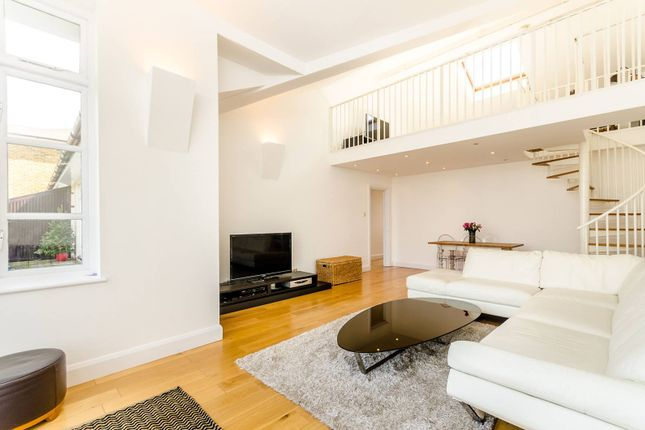 Thumbnail Flat to rent in Victory Place, Limehouse