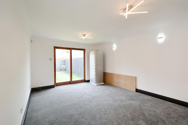 Thumbnail Flat to rent in Vallance Road, London