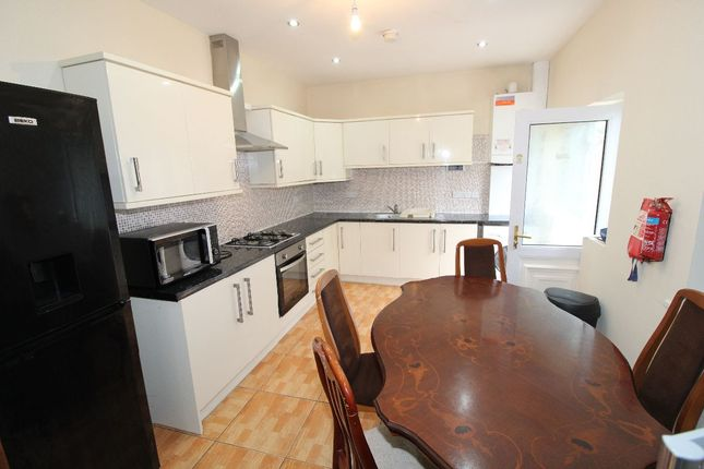 5 bed detached house to rent in Watling Street Road, Preston, Lancashire PR2