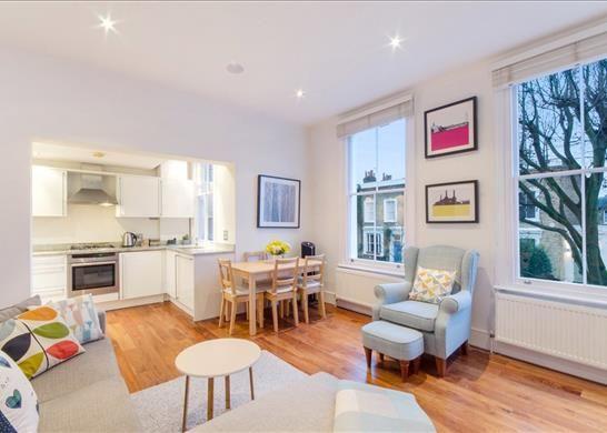 Flat for sale in Ockendon Road, London