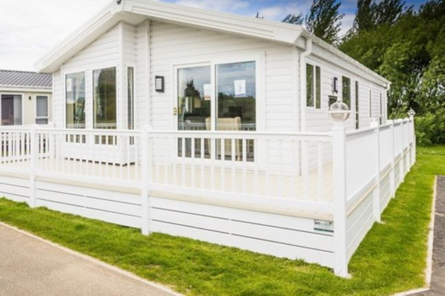 Thumbnail Bungalow for sale in The Heathfield Eastbourne Road, Pevensey Bay, Pevensey