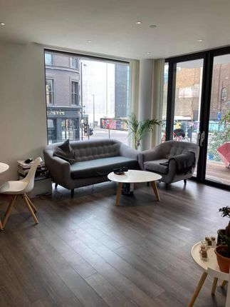 Thumbnail Flat to rent in 14 Piazza Walk, London