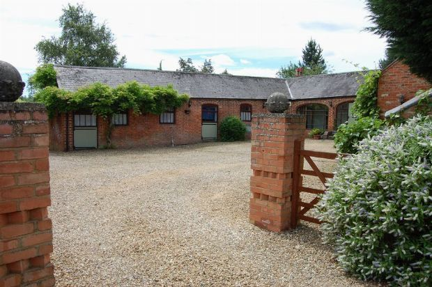 5 bed barn conversion for sale in Manor Lane, Whilton, Northampton