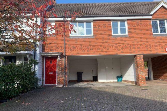 Thumbnail Flat to rent in Albion Way, Edenbridge