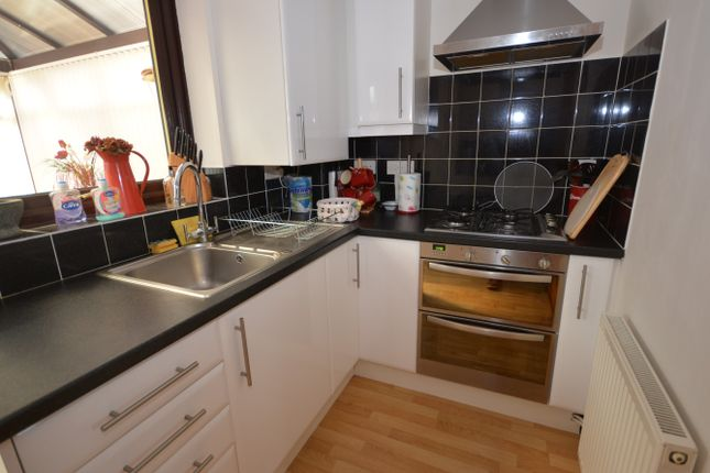 Kitchen of Sunnyfields, Oulton Broad South, Lowestoft, Suffolk NR33