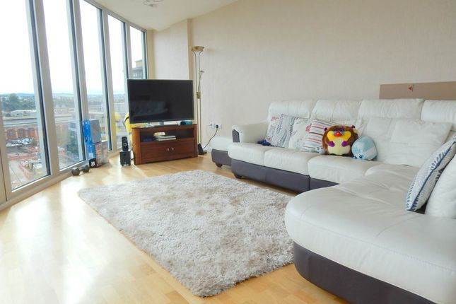 Thumbnail Flat to rent in Glass Wharf, Temple Quay, Bristol