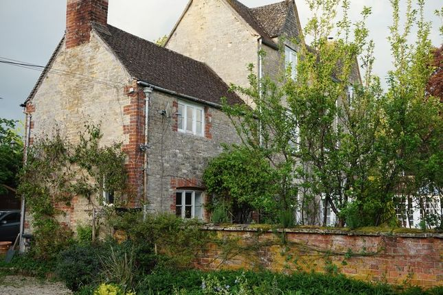 Thumbnail Semi-detached house to rent in High Street, Standlake, Witney