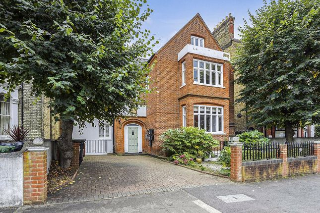 3 bed flat for sale in Lewin Road, London SW16