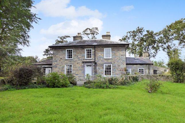 Thumbnail Detached house for sale in Pontrug, Caernarfon