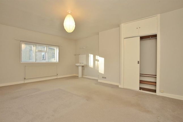 Thumbnail Property to rent in Burford Road, Carterton, Oxfordshire