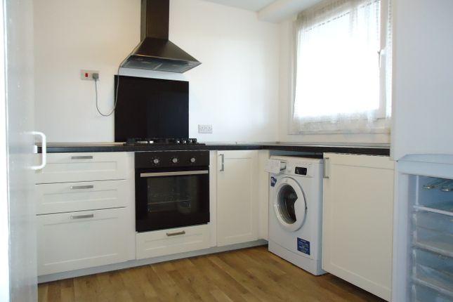 Thumbnail Duplex to rent in Westbridge Road By Battersea Square, Battersea, London