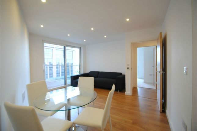 Thumbnail Flat to rent in Waterhouse Apartments, Saffron Central Square, Croydon