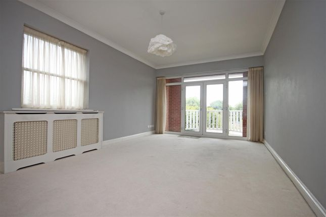 Thumbnail Flat for sale in Gloucester Road, Birkdale, Southport