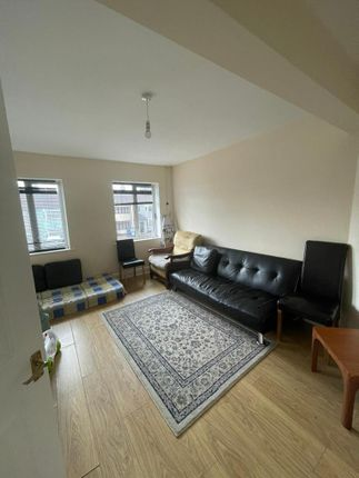 1 bed flat to rent in Collier Row Lane, Romford RM5