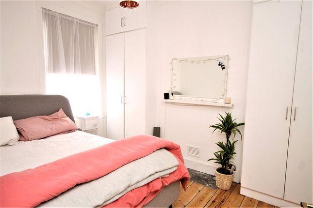 Bedroom of Waddon Road, Croydon CR0