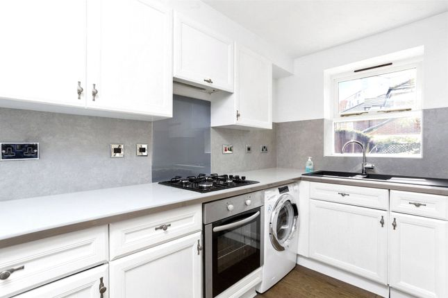 Thumbnail Shared accommodation to rent in Basevi Way, Greenwich, London