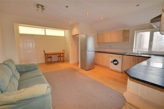 Thumbnail Flat to rent in Airedale Road, Castleford