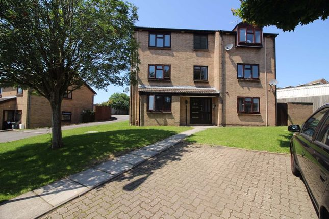 1 bed flat to rent in Oxwich Close, Norbury Gardens, Cardiff CF5