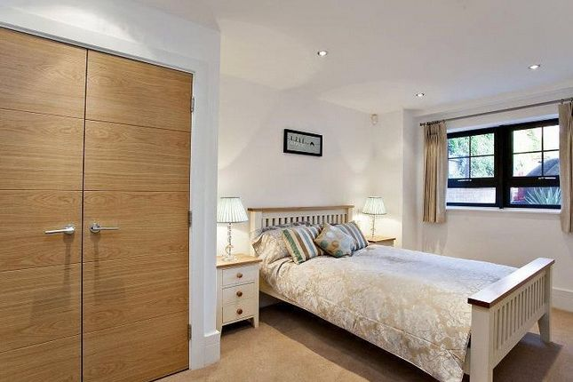 Bedroom of Perpetual House, Station Road, Henley-On-Thames, Oxfordshire RG9