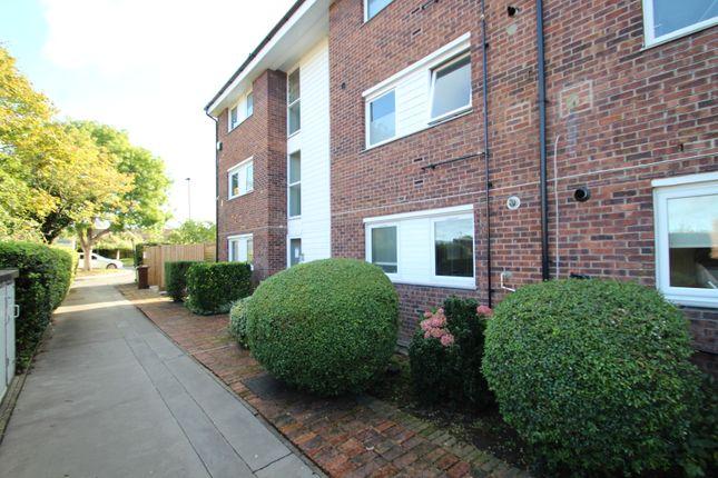 Thumbnail Flat to rent in Invicta Close, Chislehurst