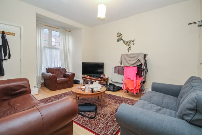 Thumbnail Terraced house to rent in Royal Park Avenue, Hyde Park, Leeds