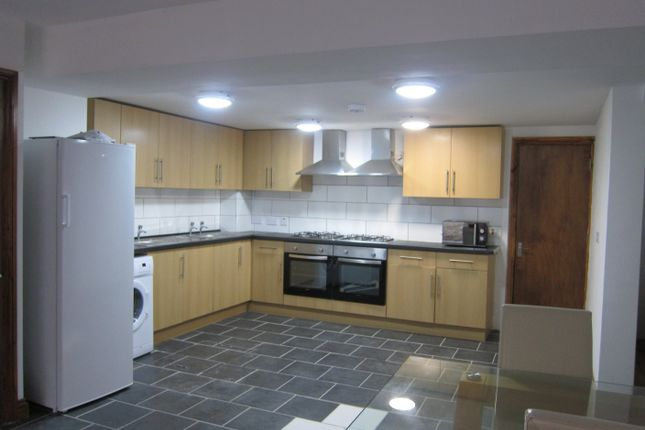Thumbnail Terraced house to rent in Queen Street, Pontypridd