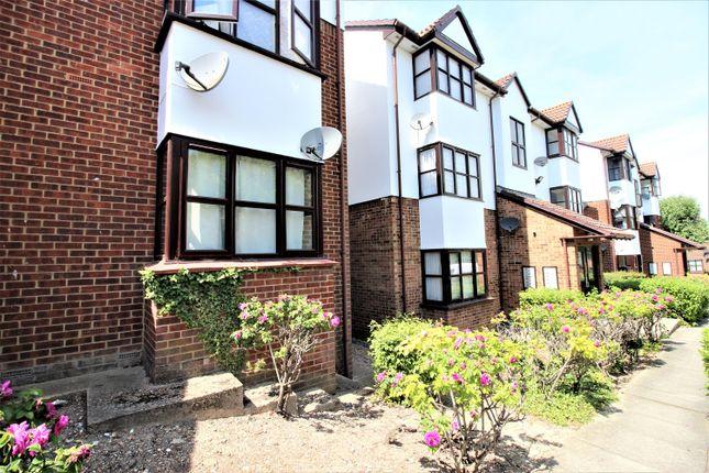 Thumbnail Studio to rent in Chalice Way, Saxon Park, Greenhithe, Kent