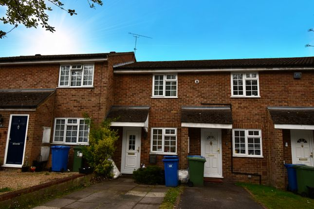 2 bed property to rent in Rother Close, Sandhurst GU47