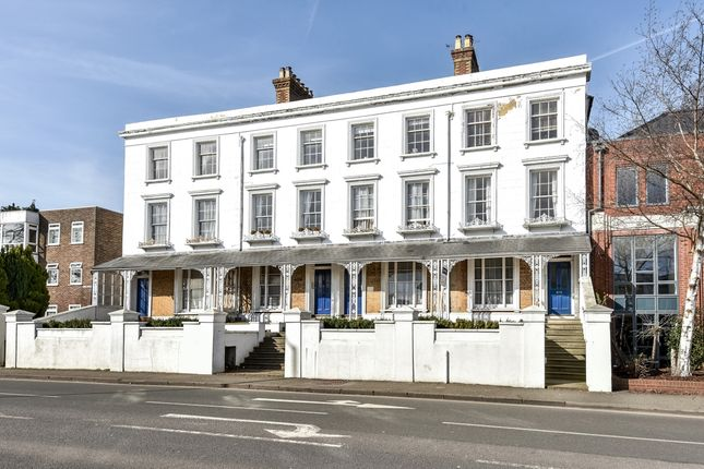 Thumbnail Flat to rent in Zingari, East Street, Farnham, Surrey