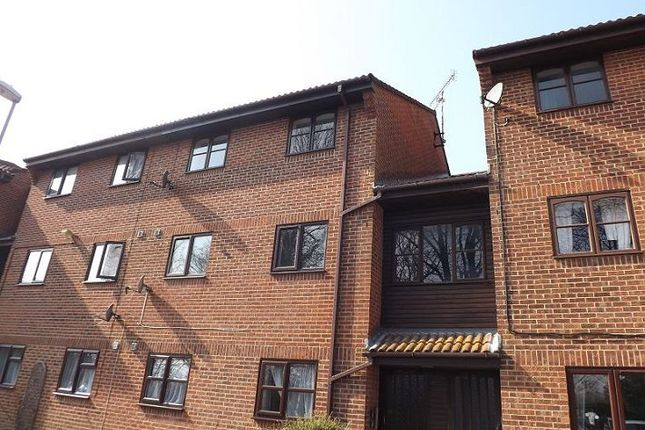 Thumbnail Flat to rent in Honeywood Close, Hilsea, Portsmouth
