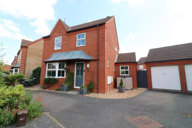 3 bed detached house for sale in Grange Road, Barton Le Clay, Bedfordshire MK45