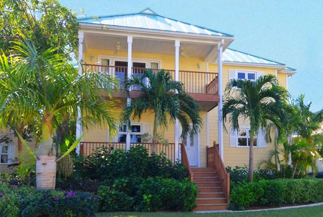 3 bed property for sale in Doubloon Road, Freeport, Bahamas
