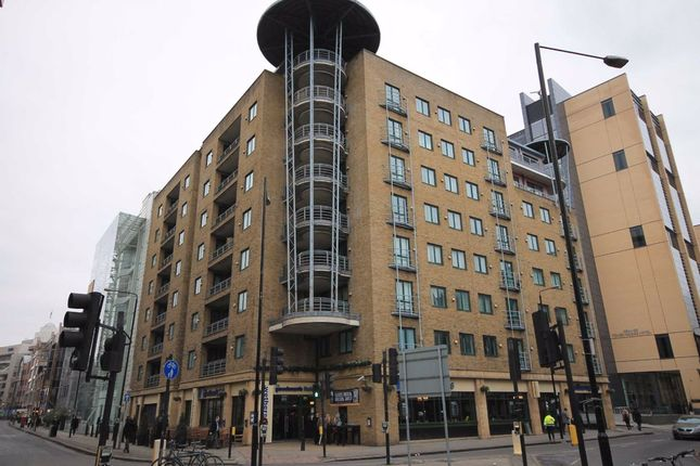 2 bed flat to rent in Mansell Street, London E1