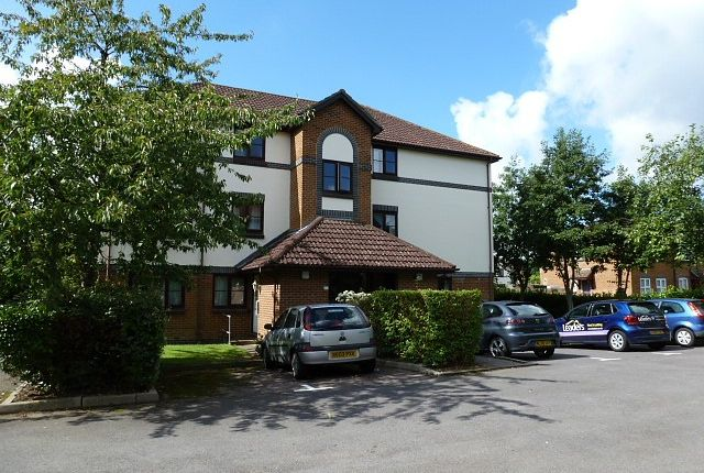 Thumbnail Flat to rent in Wordsworth Mead, Redhill