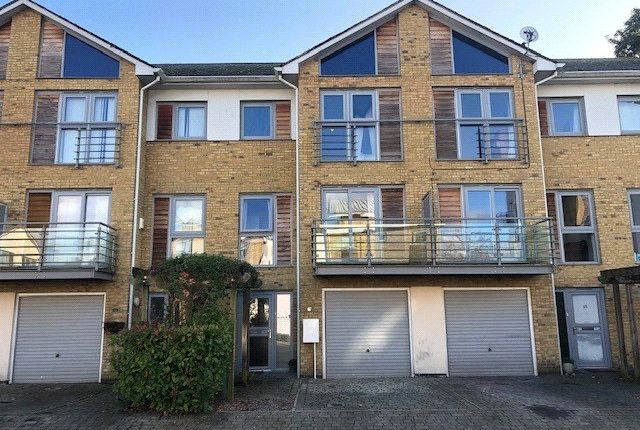 1 bed property to rent in Arundel Square, Maidstone, Kent ME15