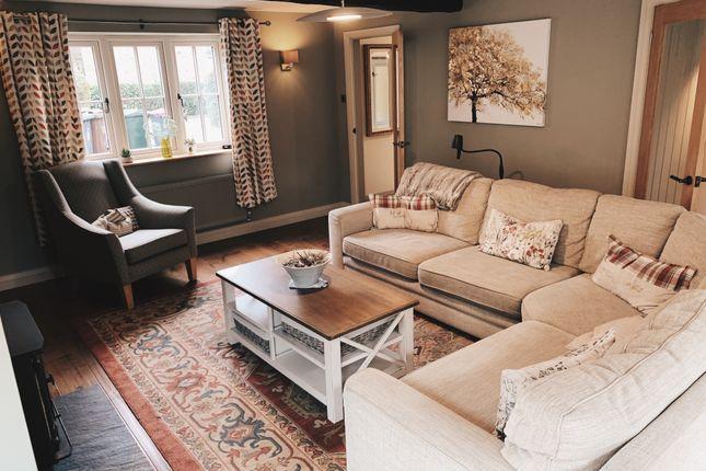 Living Room of Chapelfield Lane, Thorpe Hesley, Rotherham S61