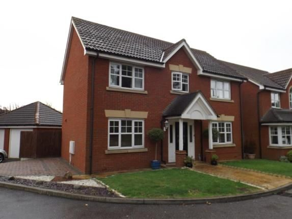 Thumbnail Detached house for sale in Oakwood Gate, Chigwell, Essex