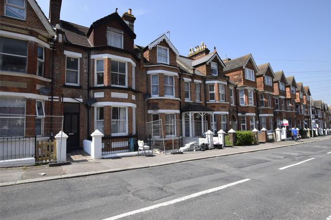2 bed flat to rent in Milward Road, Hastings, East Sussex