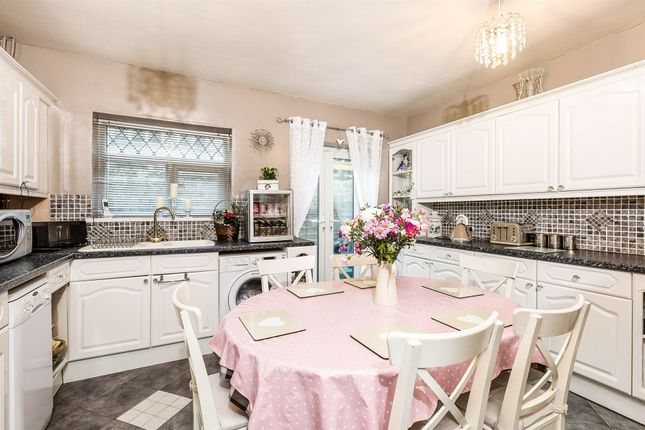 Thumbnail Terraced house for sale in Queens Road, Penarth