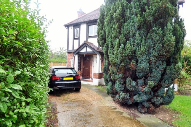 Thumbnail Maisonette to rent in Ferrymead Gardens, Greenford, Greater London