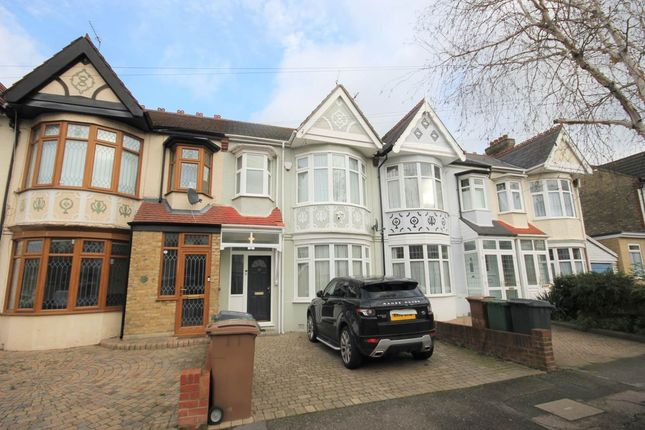 4 bed property to rent in Nelson Road, Highams Park, London E4