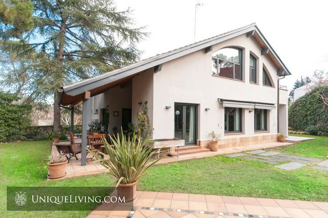 5 bed villa for sale in Barcelona Residential, Barcelona, Spain