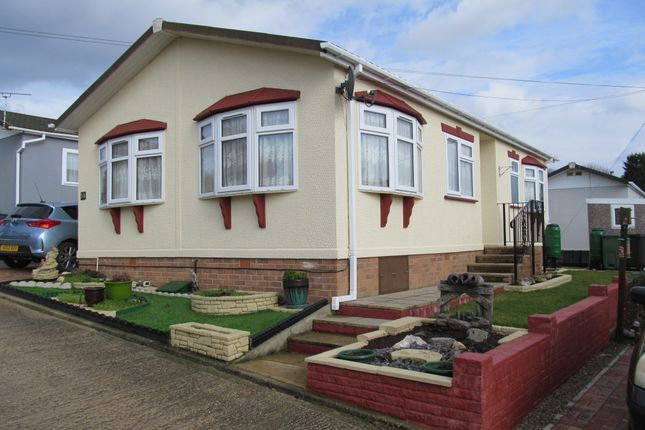 Thumbnail Mobile/park home for sale in West Avenue, Riverview Park, Althorne, Chelmsford, Essex