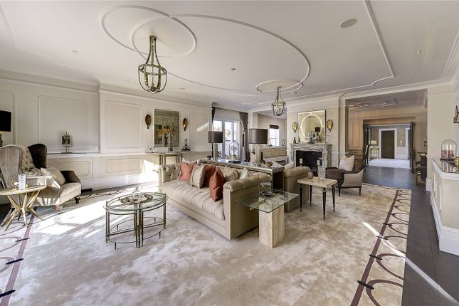 5 bed flat for sale in Connaught Place, London W2