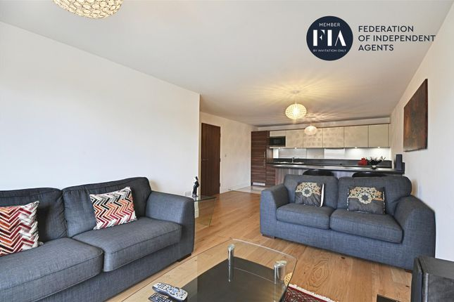 Thumbnail Flat to rent in Belvedere House, 8 Kew Bridge Road, Brentford